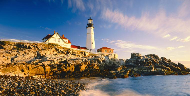 picturesque-maine-lighthouse-shot1